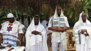 NIGERIAN JEWS IN WORSHIP MODE.